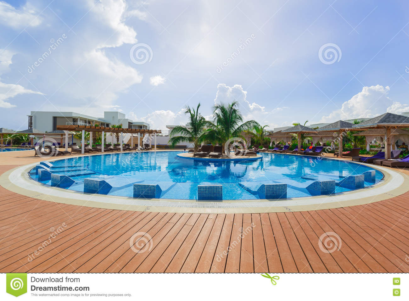 Gorgeous view of a round swimming pool at iberostar playa for Pool time pools
