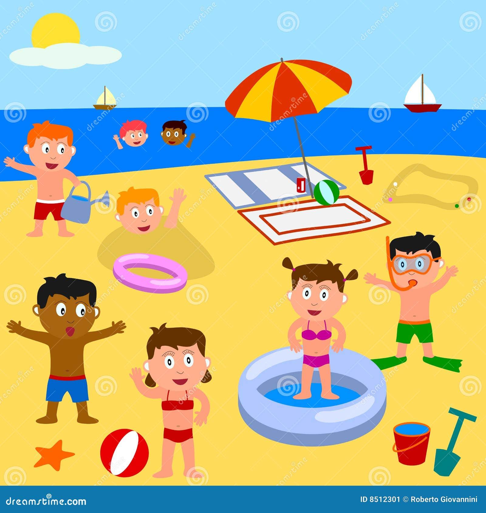 Gosses jouant sur la plage