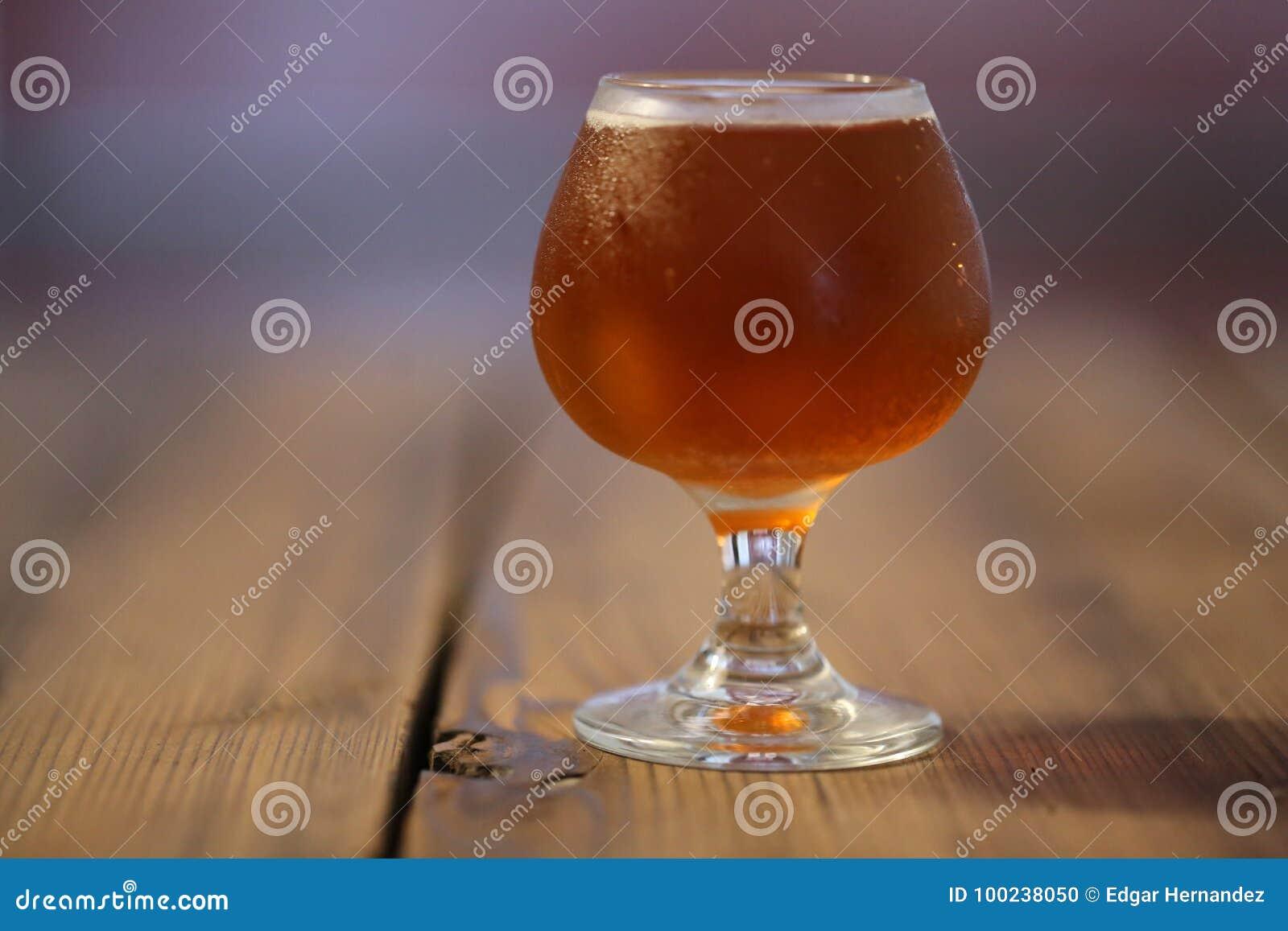 Gosto da cerveja do ofício