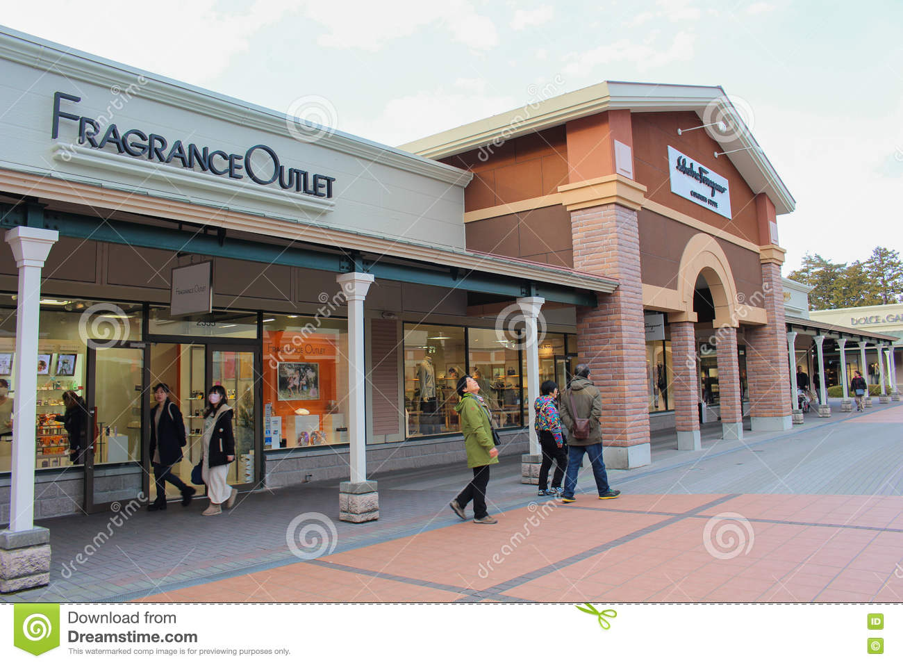062fa8b2369227 Gotemba Premium Outlets editorial photo. Image of ounlet - 81481226