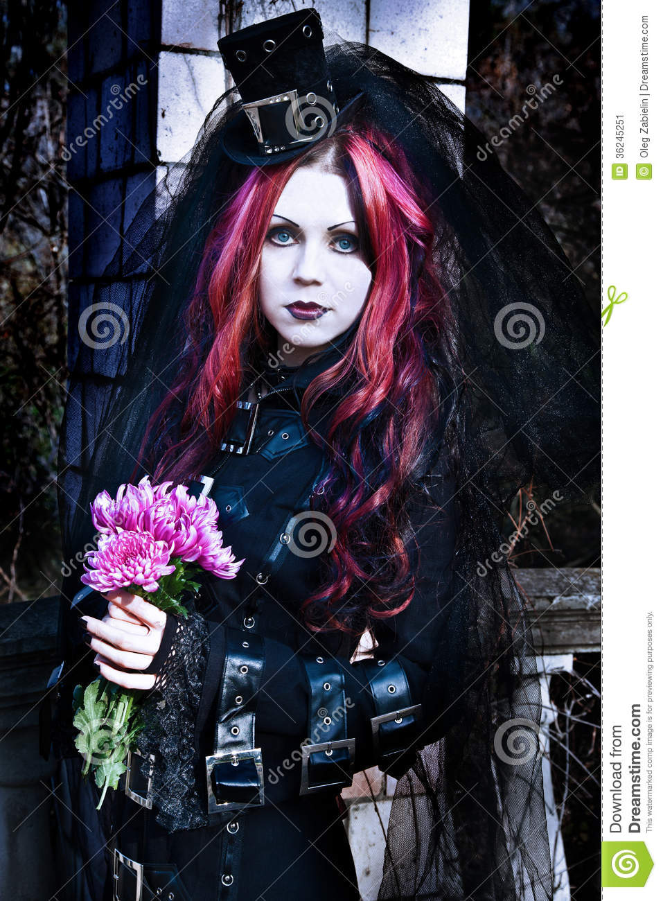 Violet gothic girls thumbs