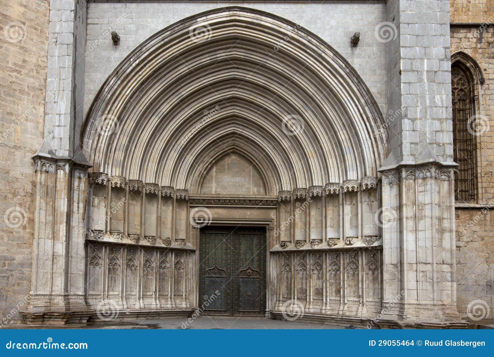 Tellurisme  de BRETAGNE Gothic-cathedral-entrance-to-girona-spain-29055464