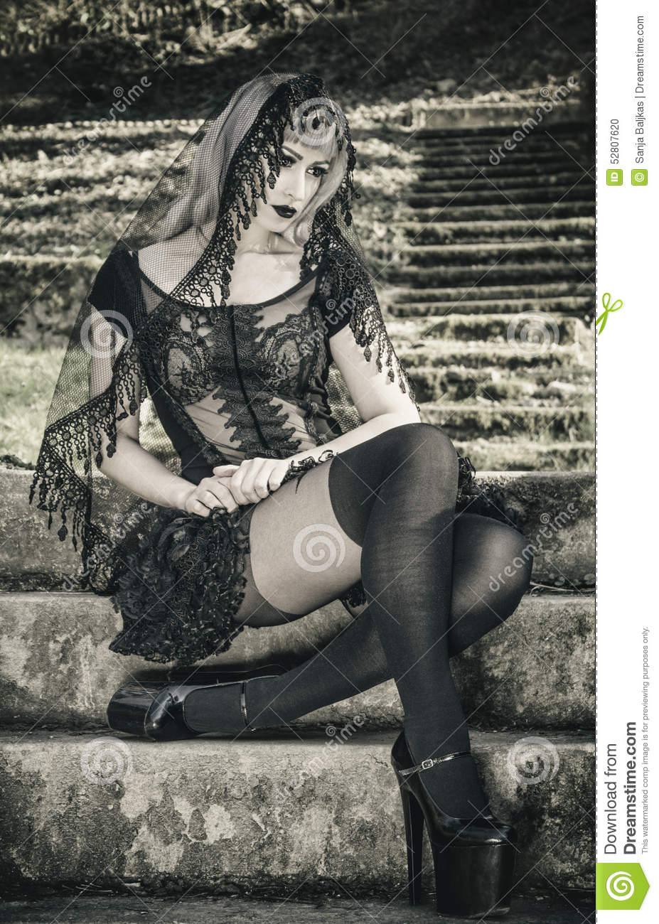 Gothic girl with veil