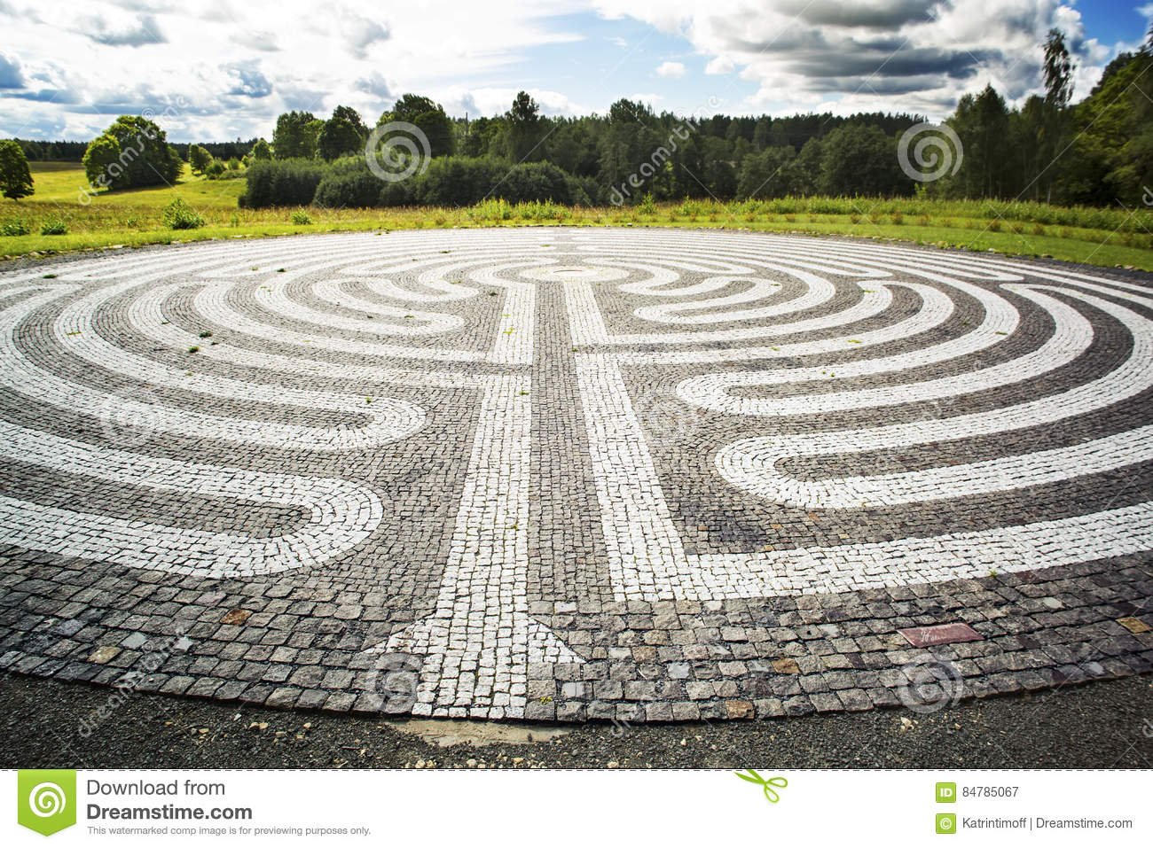 Gothic labyrinth from black and white cobble-stones