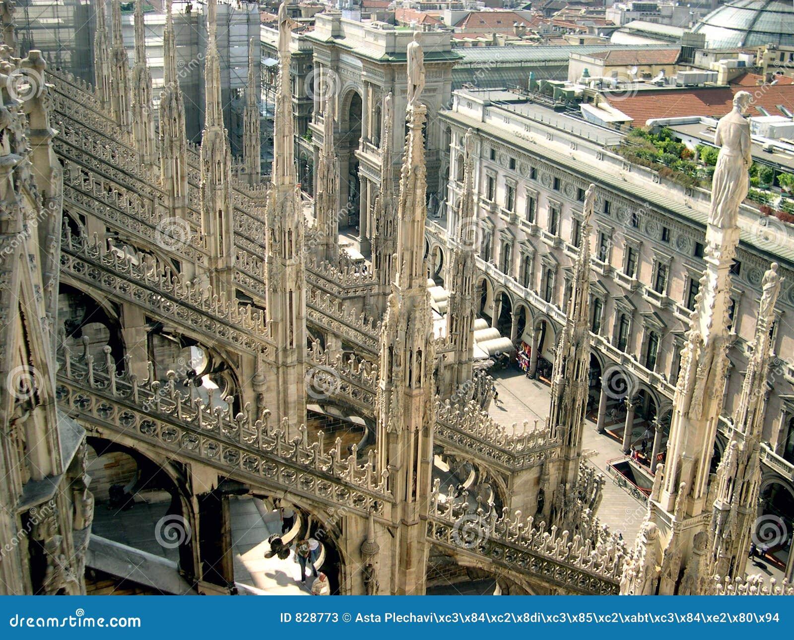Gotic roof