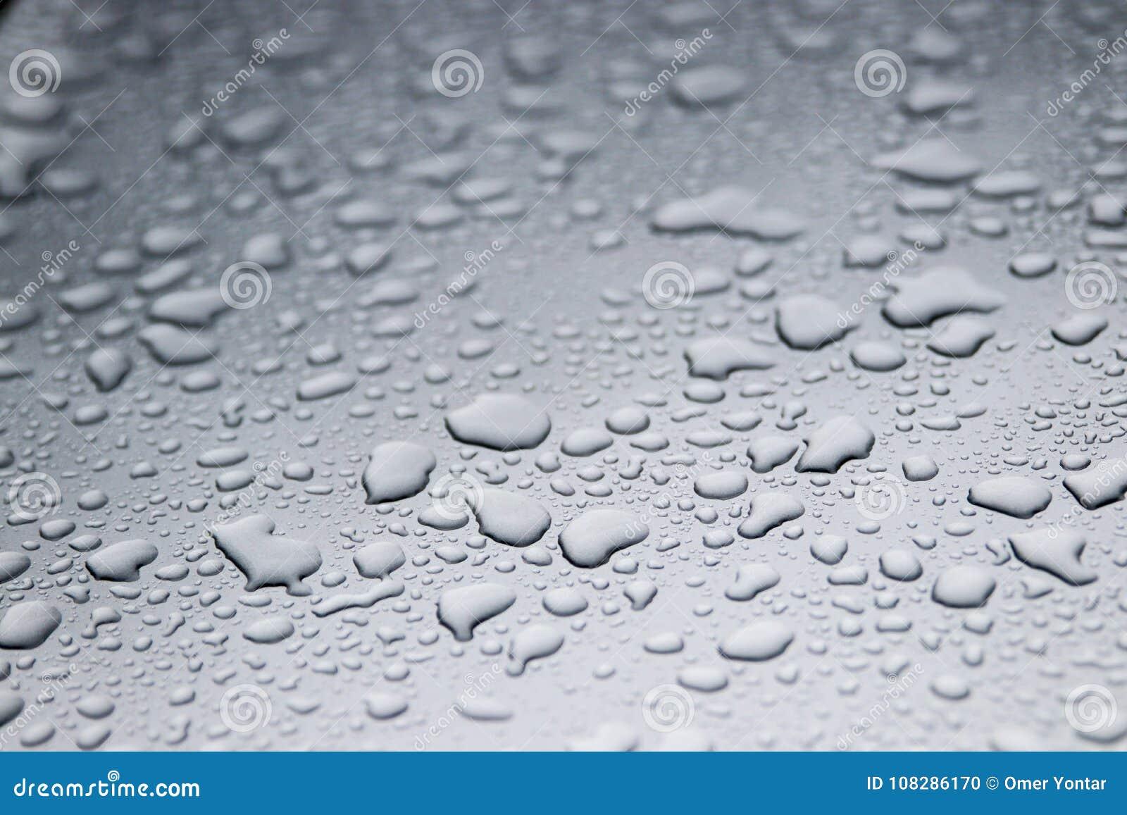 Gotitas de agua sobre el vidrio
