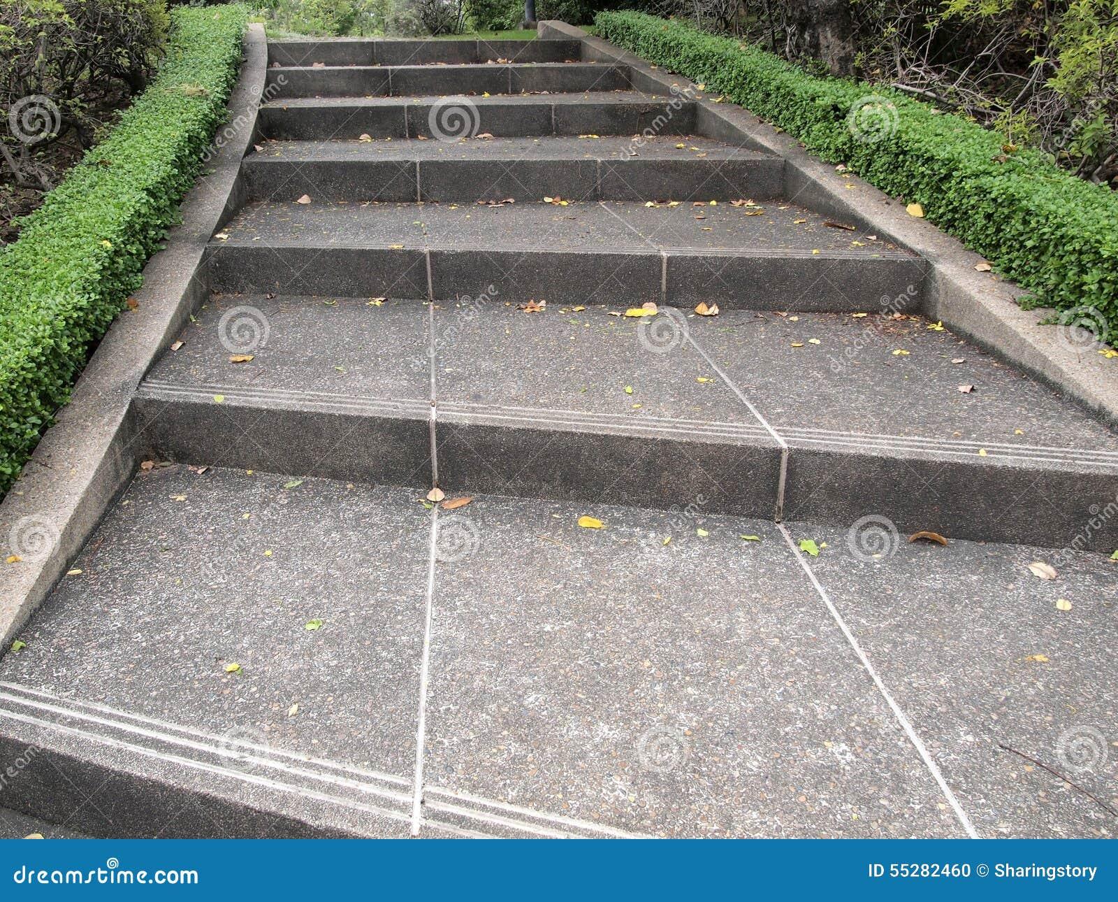 Escaleras de jardin interesting dise o jardin asturias m parcela escaleras con with escaleras - Escaleras jardin ...
