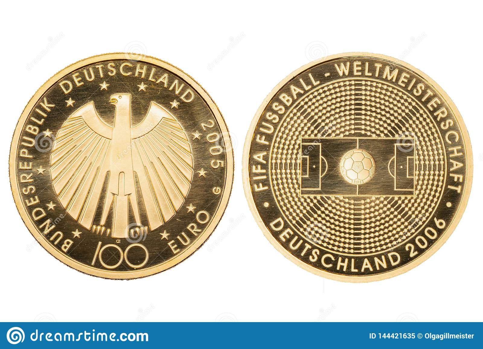 Gouden Geïsoleerdeu Muntstukken Macro van een 100 Euro Gouden Wereldbeker Duitsland 2006 van Muntstukfifa geïsoleerd op een witte