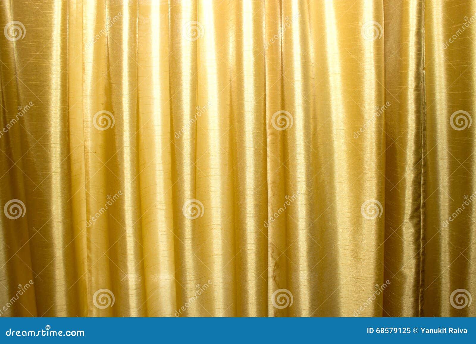 gouden gordijnen op stadium