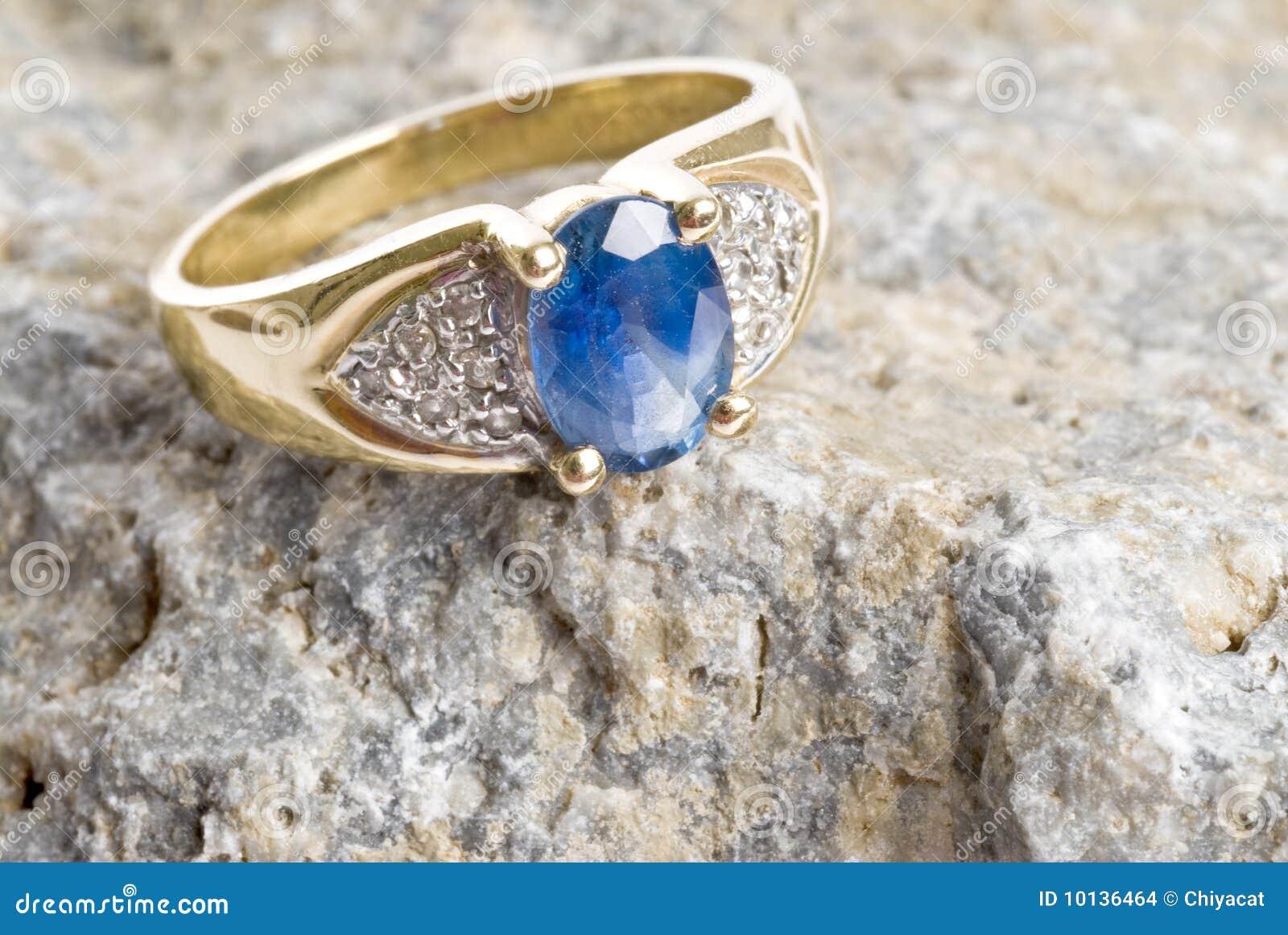 Gouden Ring Met Saffie...