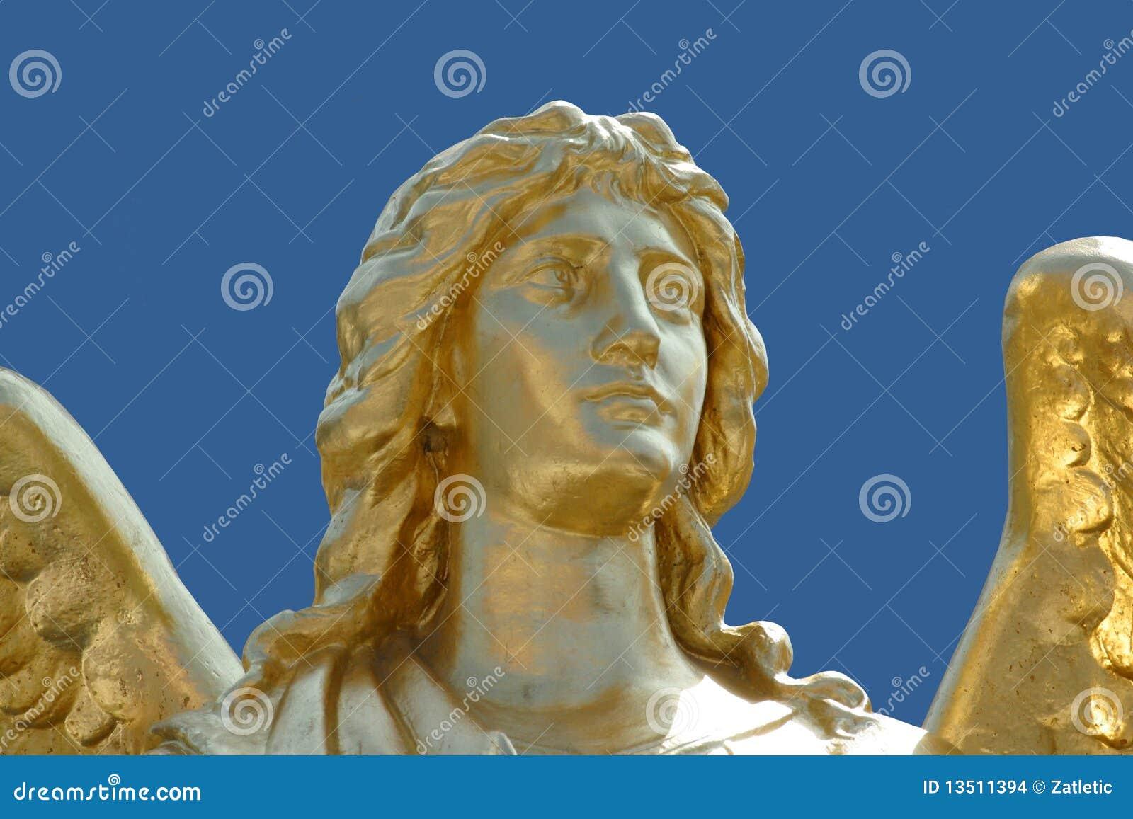 Gouden standbeeld van engel