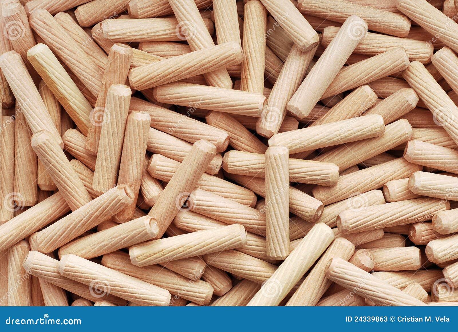 goujons en bois image stock image du texture branchez 24339863. Black Bedroom Furniture Sets. Home Design Ideas