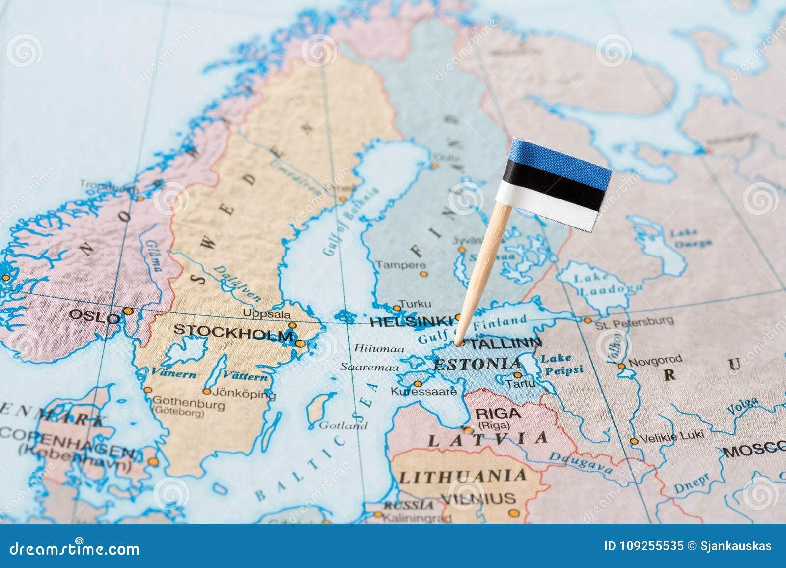 Goupille de drapeau de l Estonie sur la carte