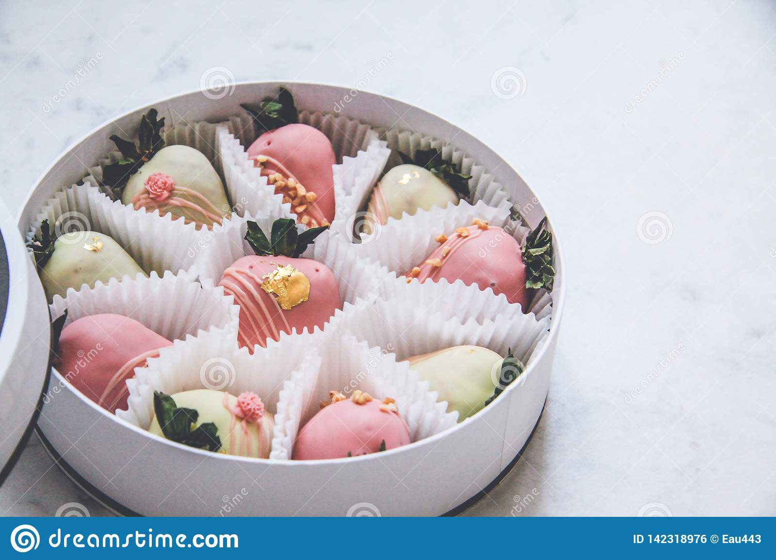 Gourmet Chocolate Covered Strawberries In A Round Gift Box Stock Photo Image Of Indulgence Sweet 142318976
