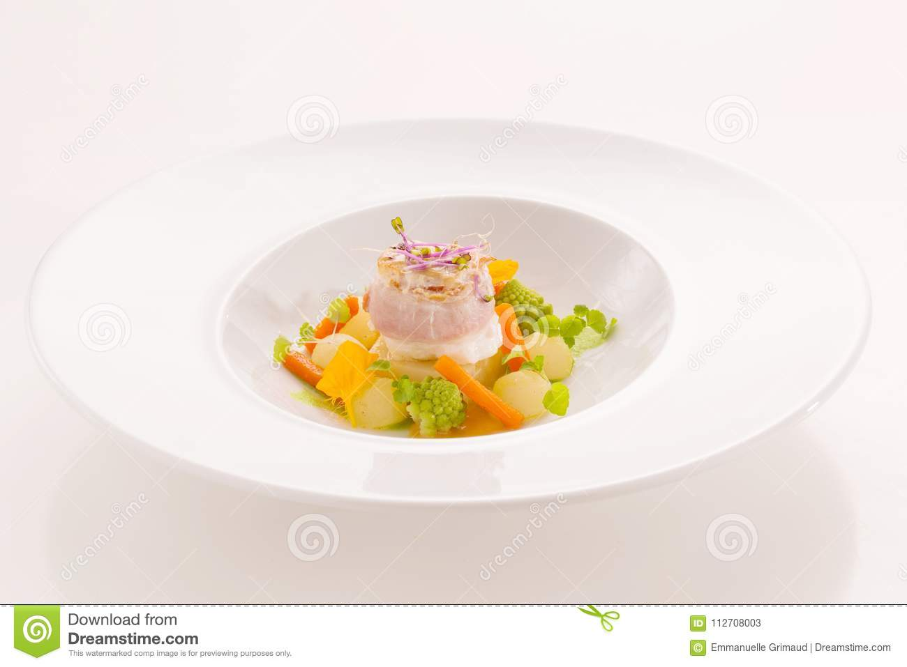 [Image: gourmet-dish-fish-small-vegetables-gourm...708003.jpg]