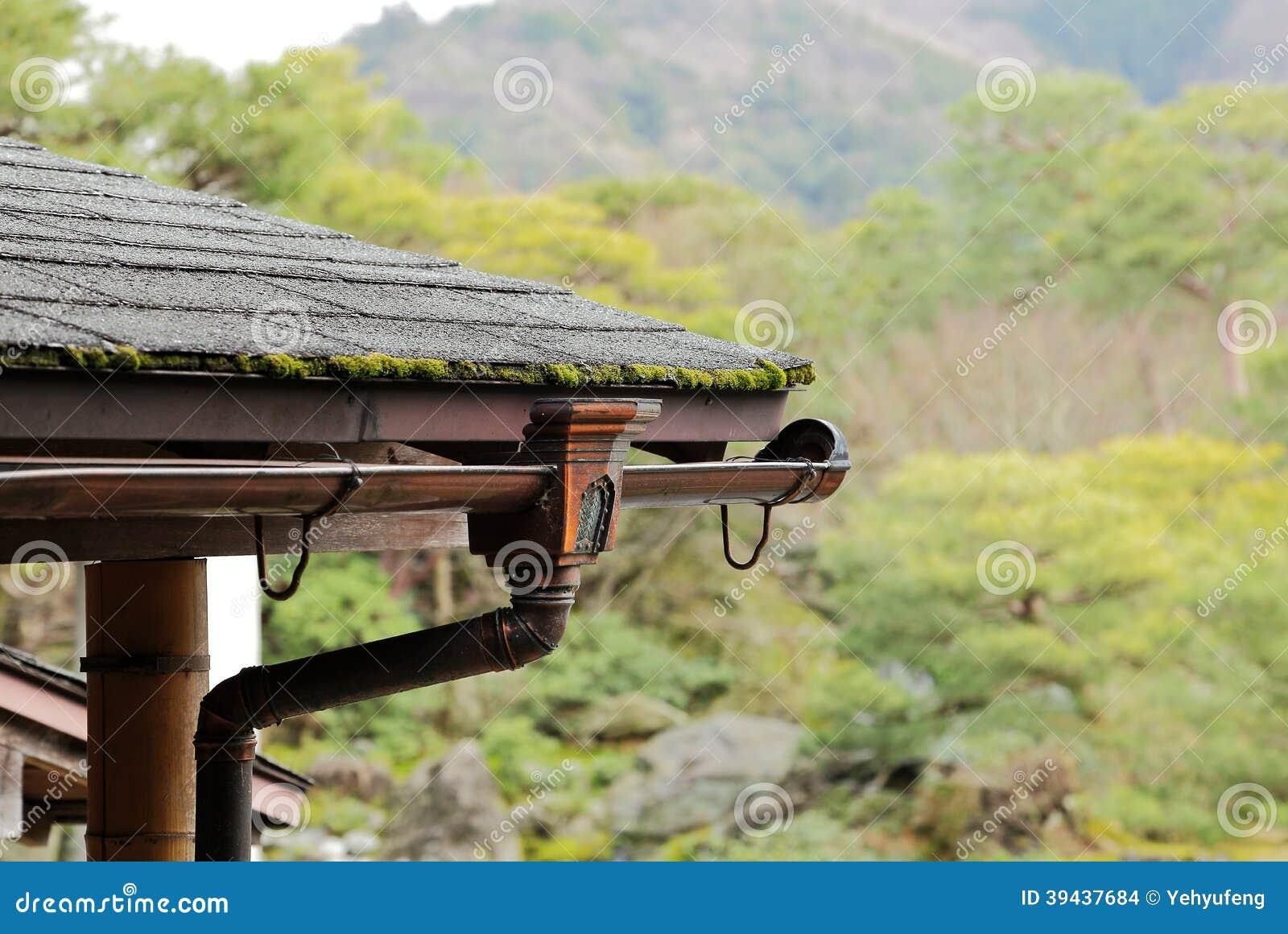 Goutti re de pluie de maison de vintage photo stock image 39437684 - Household water treatment a traditional approach ...