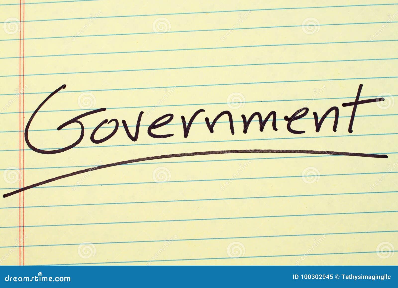 Governo su un blocco note giallo