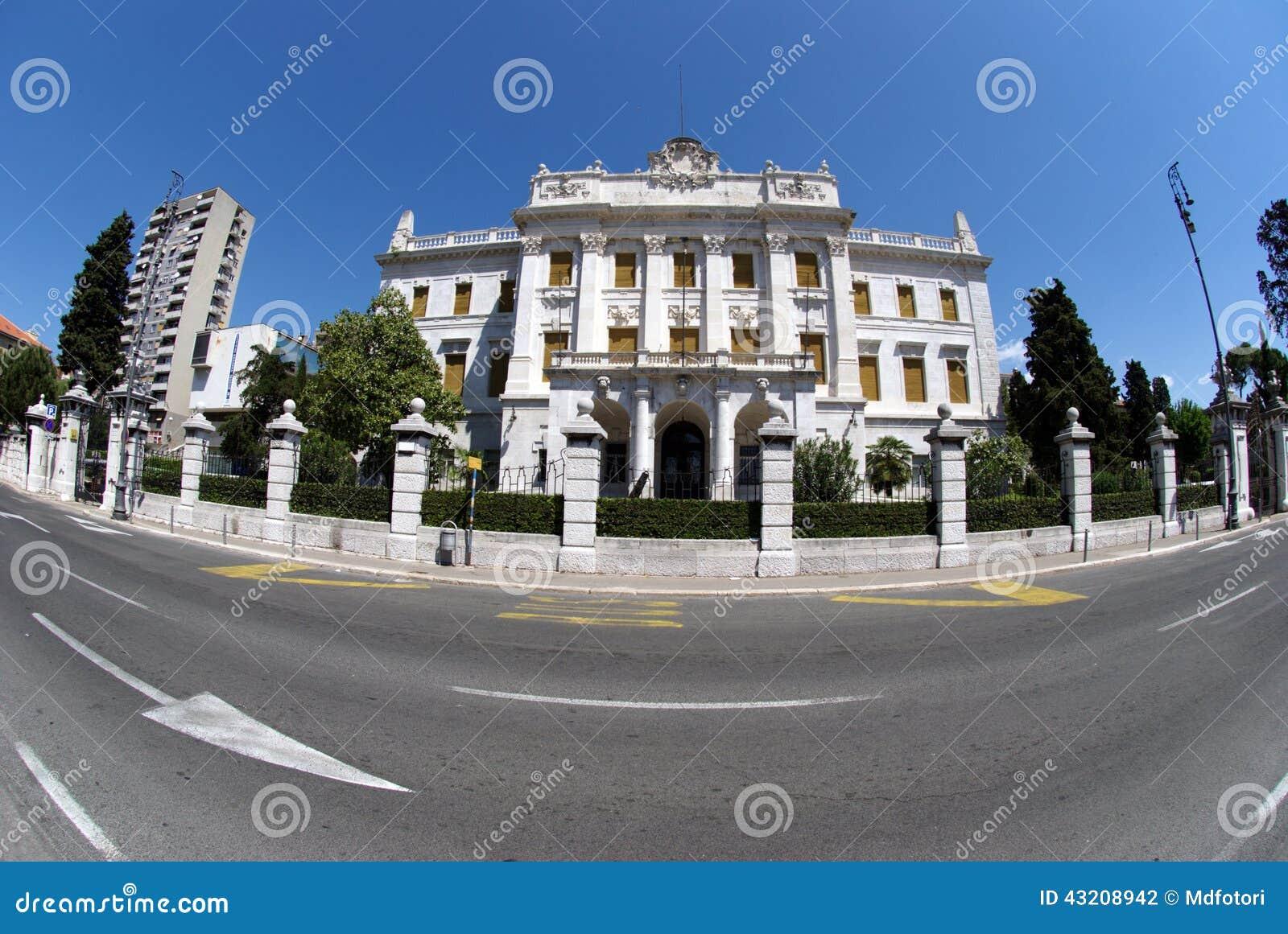 Download Governor's Slott I Rijeka, Kroatien Arkivfoto - Bild av monument, välde: 43208942