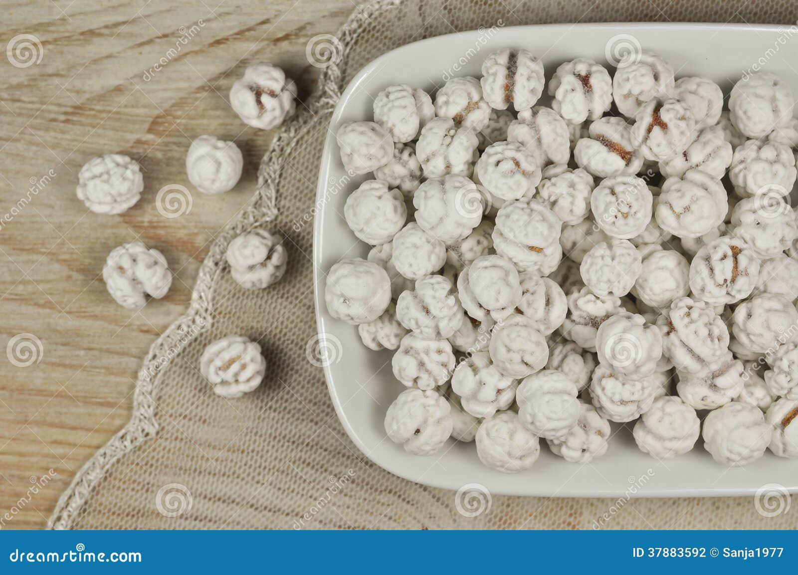 Grãos-de-bico cobertos de açúcar