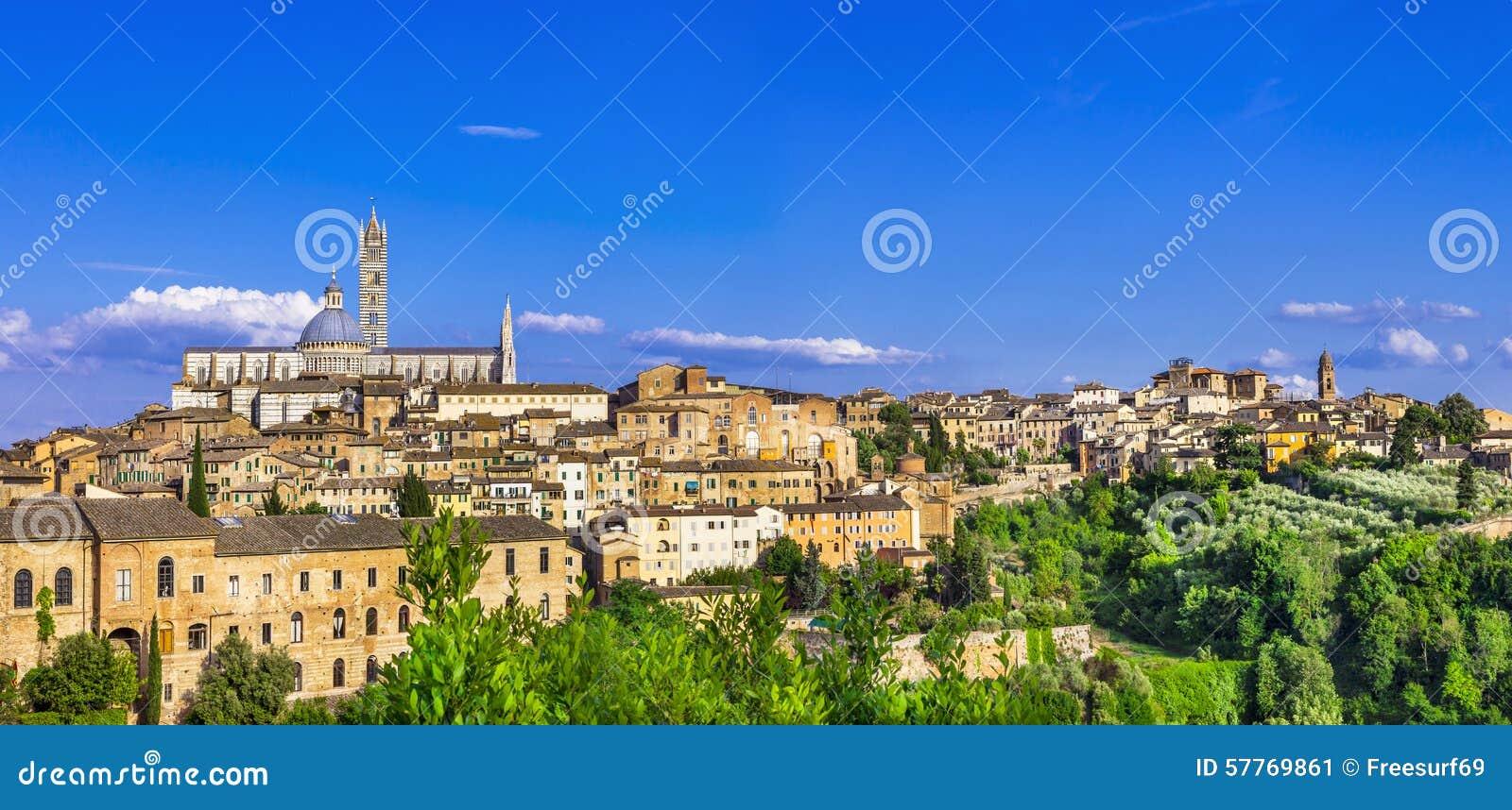 Gränsmärken av Italien - panorama av Siena, Tuscany