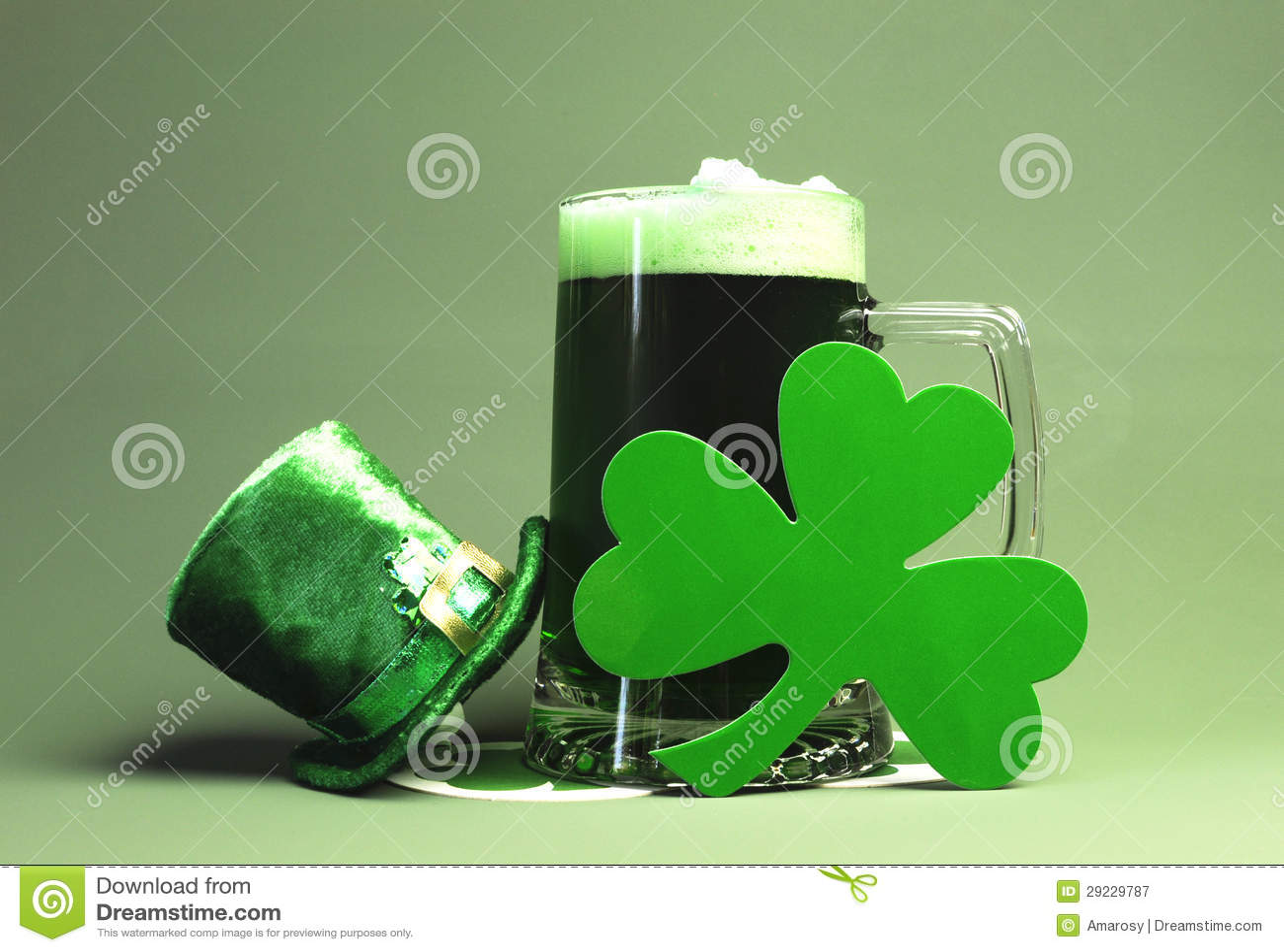Grön öl för St Patricks, Shamrock & trollhatt