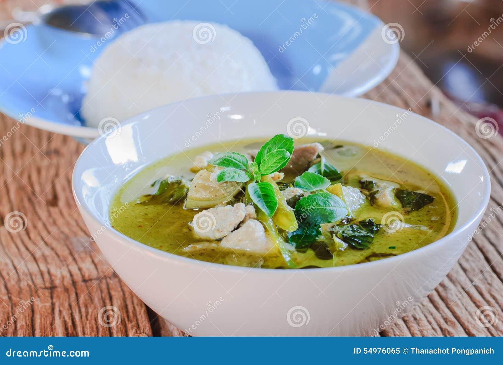 Grön curry med griskött