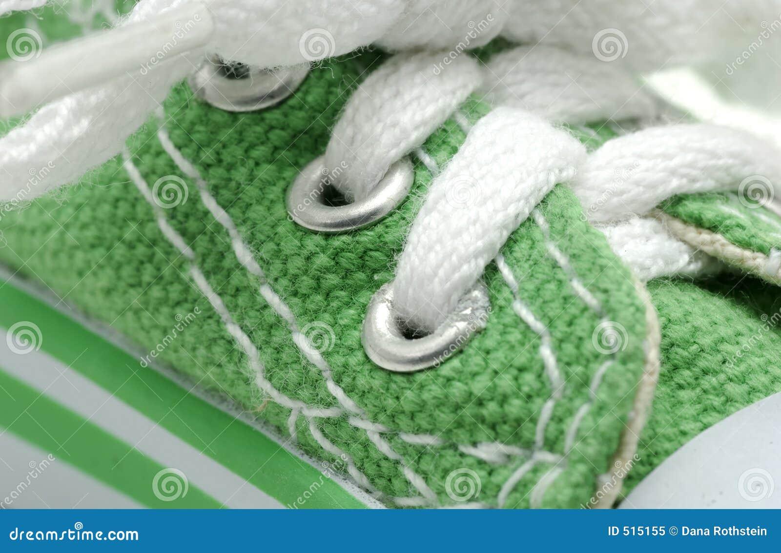 Grön gymnastiksko