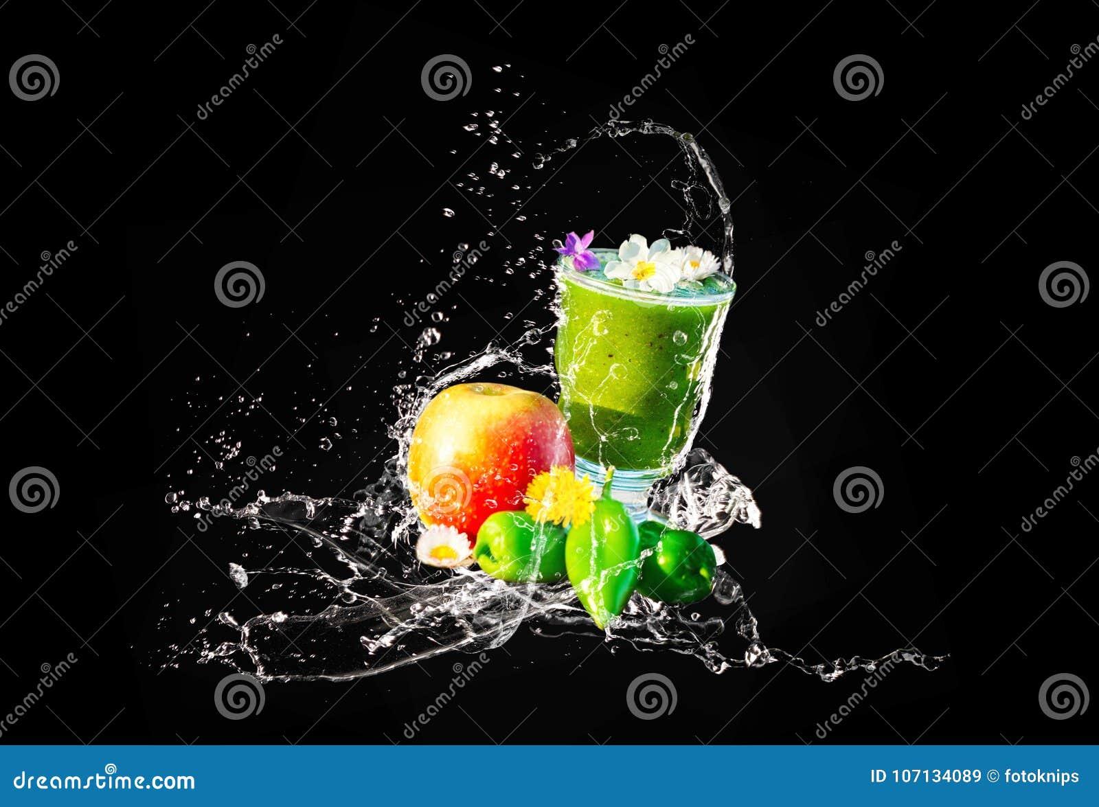 Grön Smoothie, ätliga blommor och frukter, vattenfärgstänk