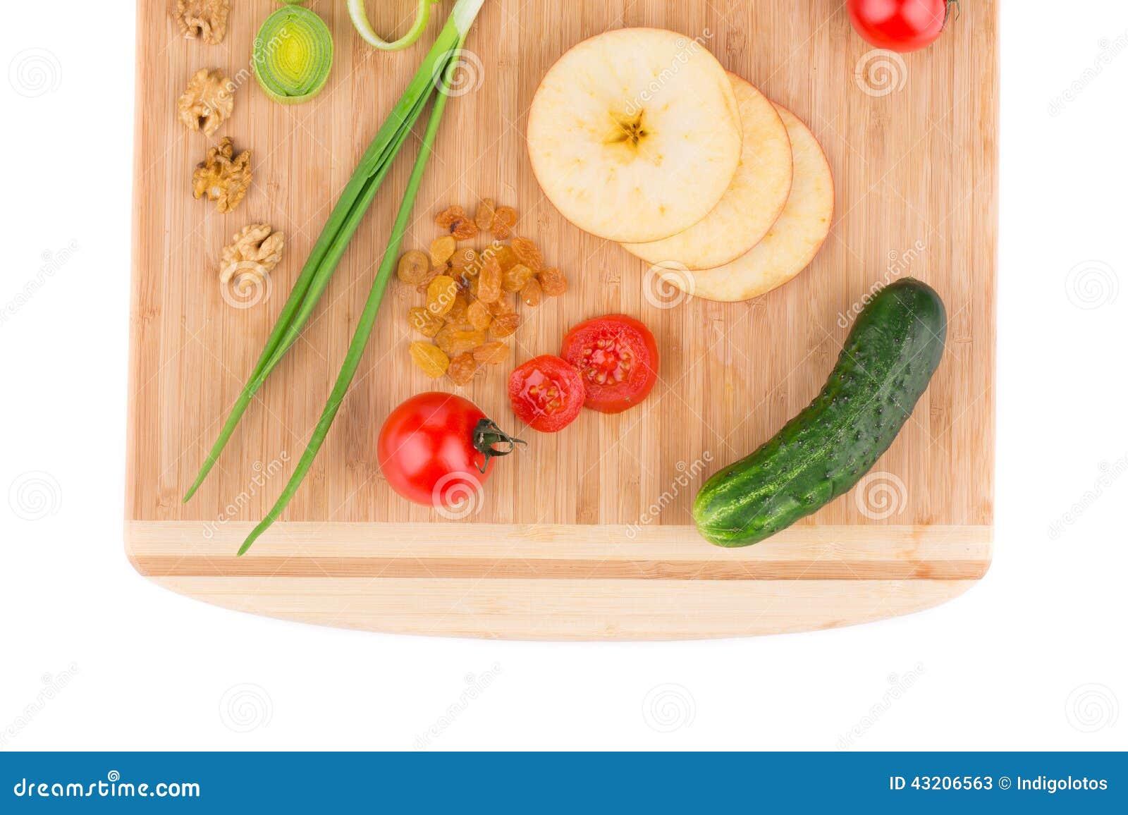 Download Grönsaker På Träuppläggningsfatet Close Upp Fotografering för Bildbyråer - Bild av vitamin, hälsa: 43206563