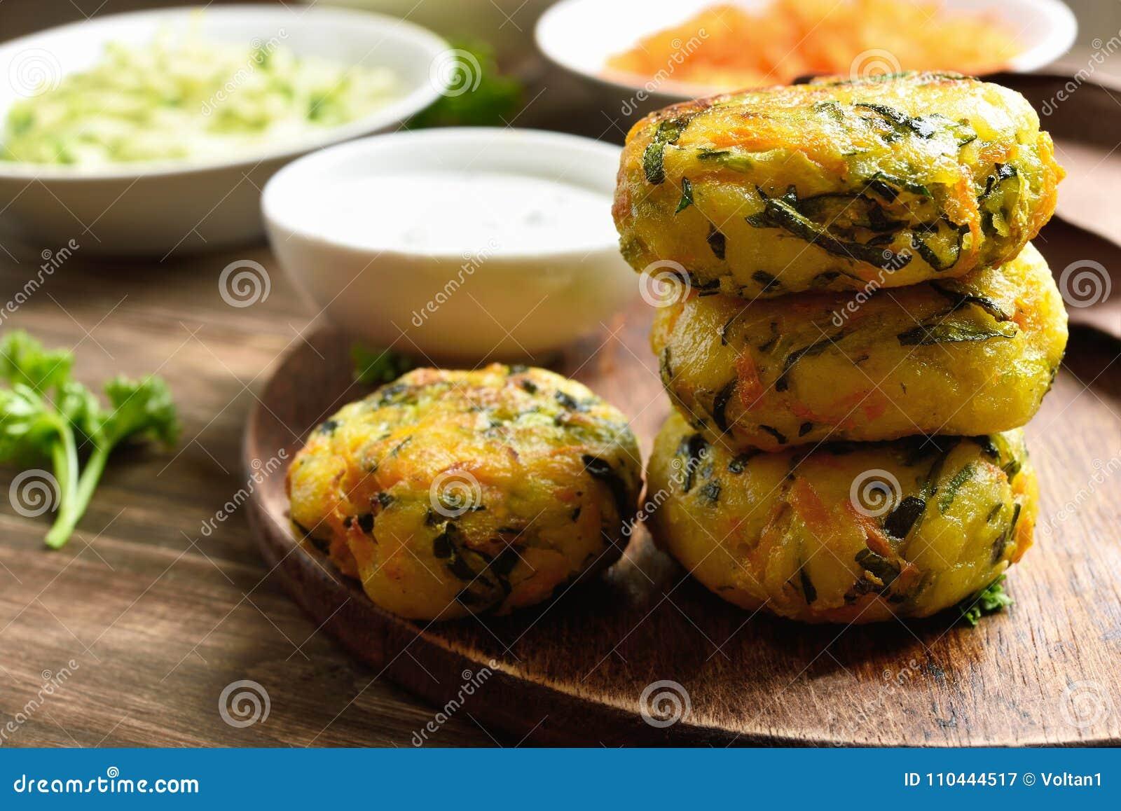 Grönsakkotlett från moroten, zucchini, potatis