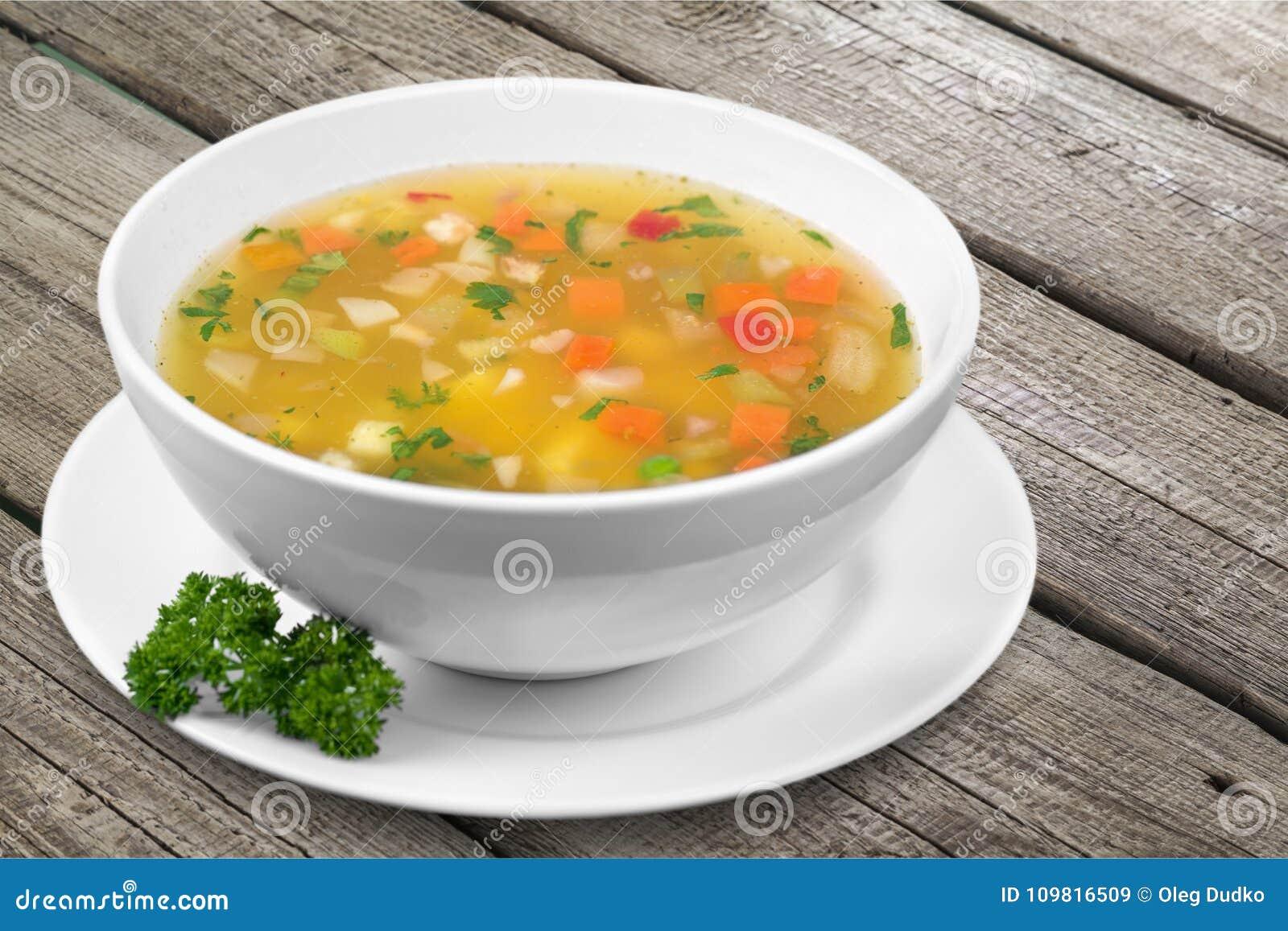 Grönsaksoppa på tabellen