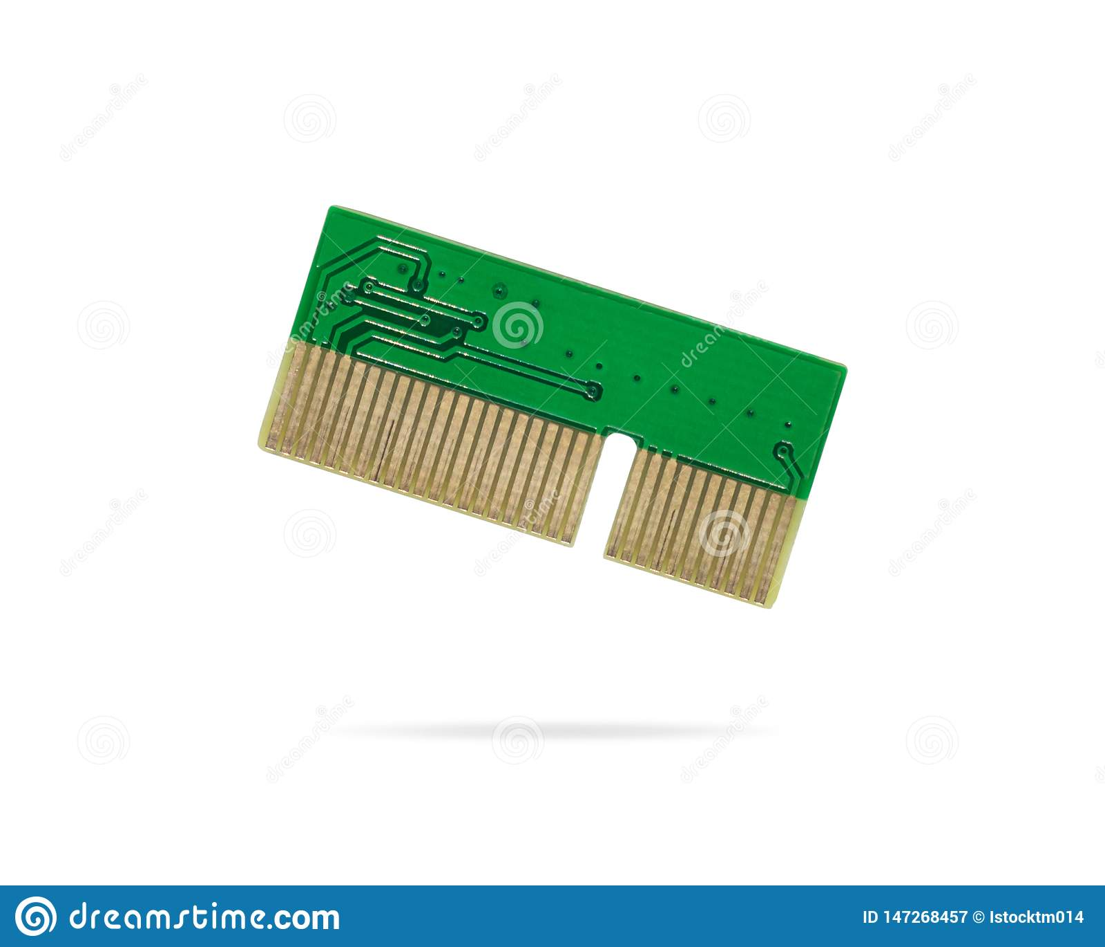 Grönt strömkretsbräde på isolerad bakgrund Datormikrochipskort per delen av moderkortet Objekt f?r urklippbana eller utklippf?r