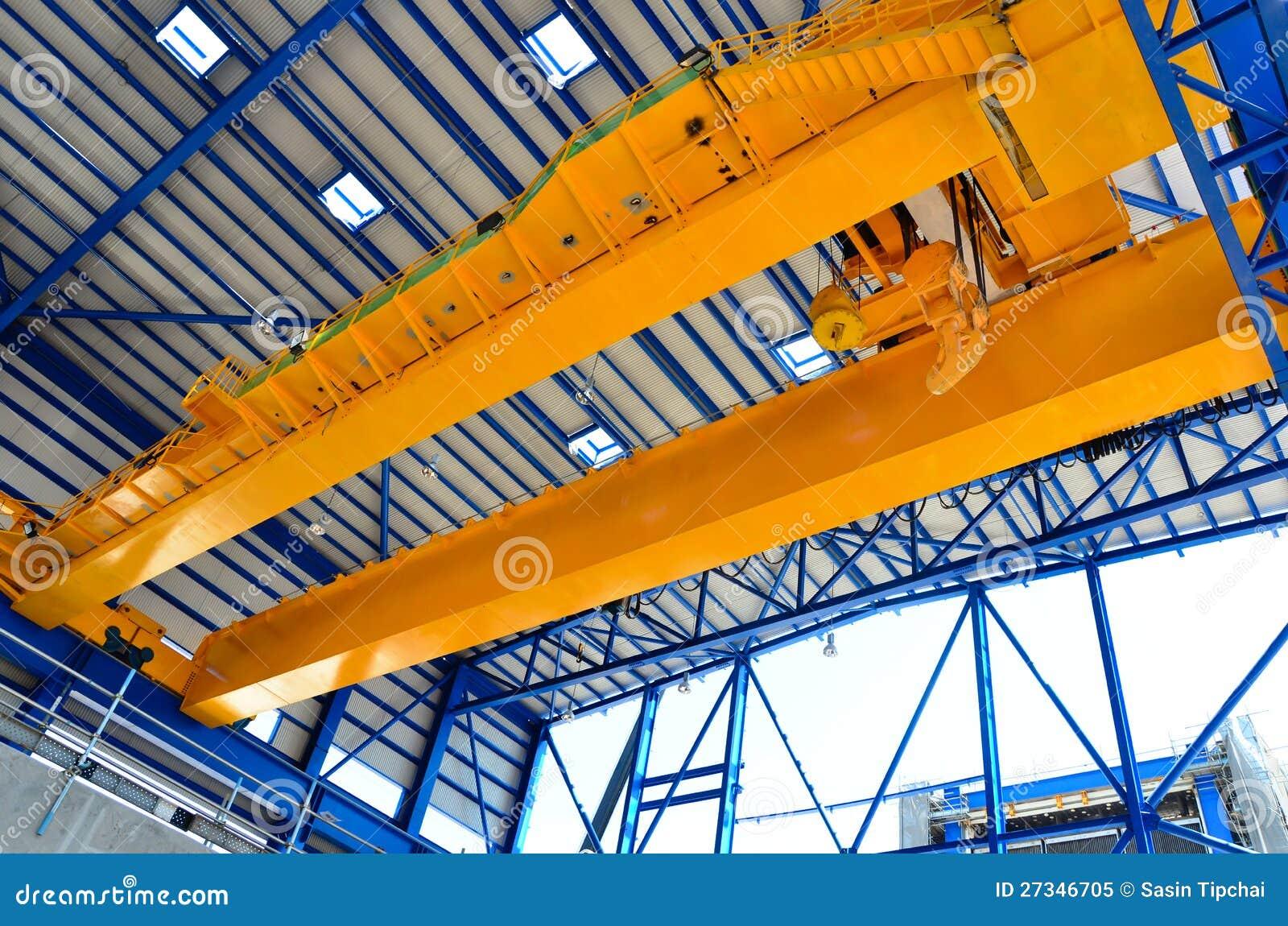 Grúa de arriba de la fábrica