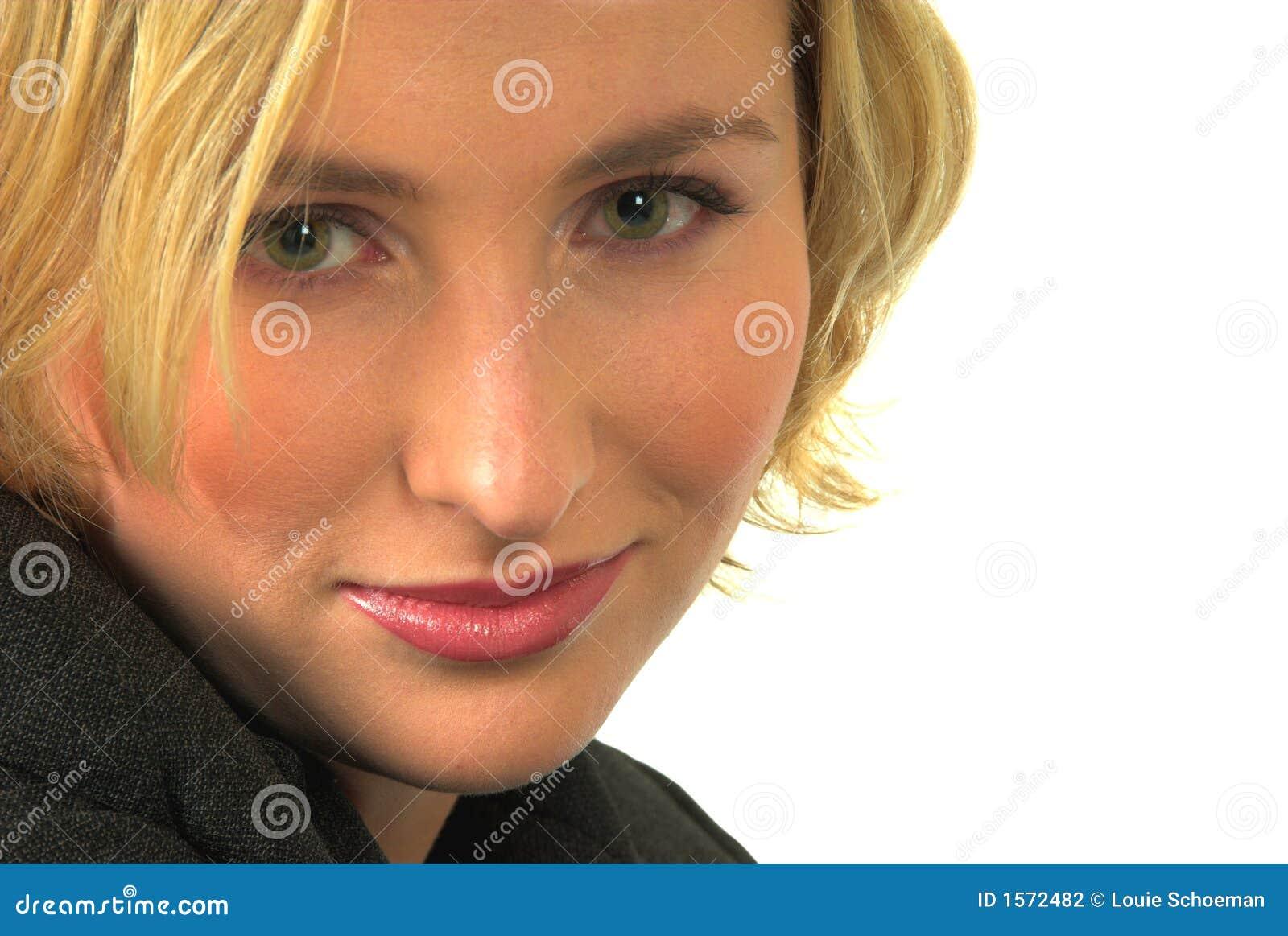 frau blond grüne augen