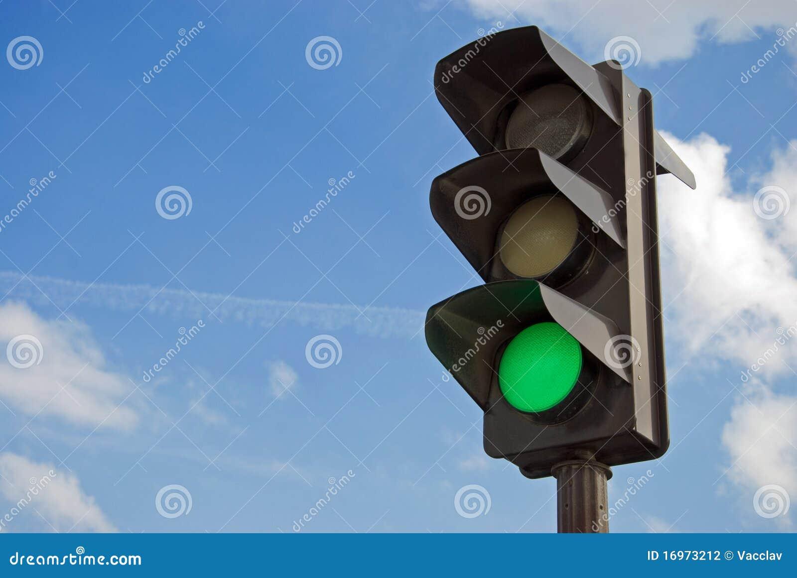 Grüne Farbe auf der Ampel