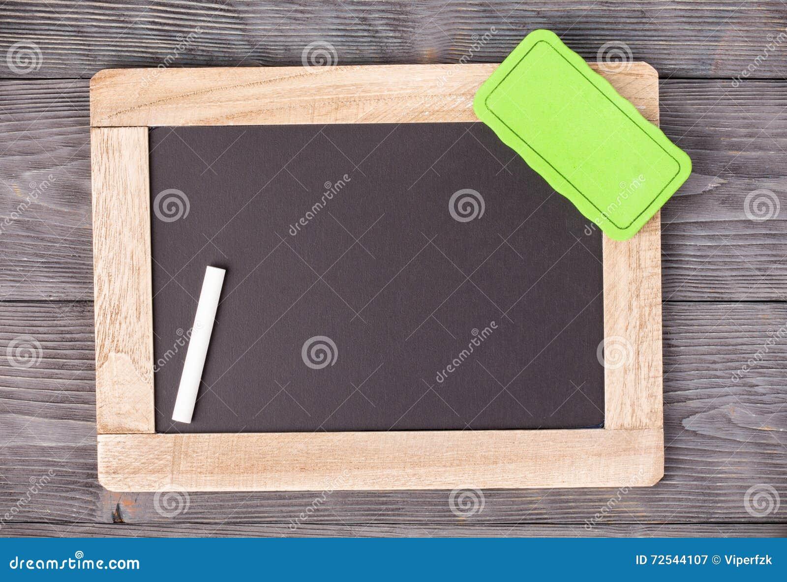 Schultafel mit kreide und schwamm  Tafel Mit Kreide Und Schwamm Stockfotos – 50 Tafel Mit Kreide Und ...