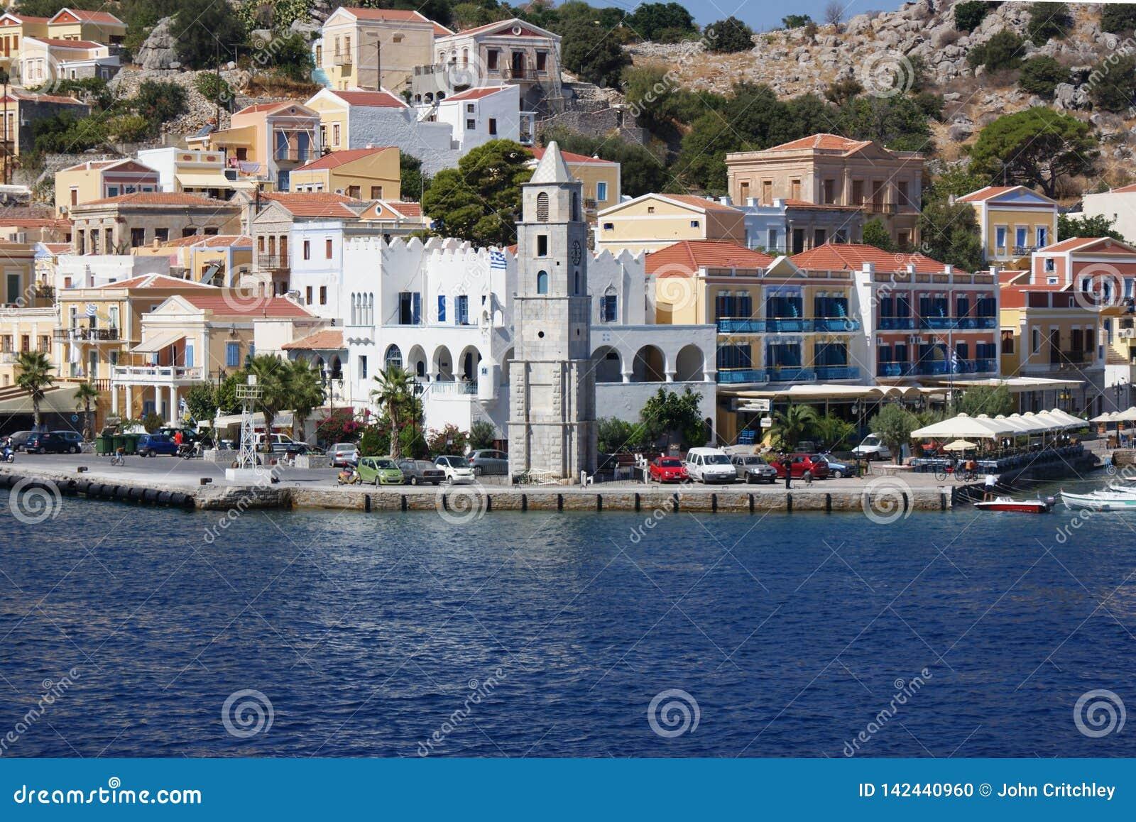 Gr?cia, a ilha de Symi Porto e Clocktower