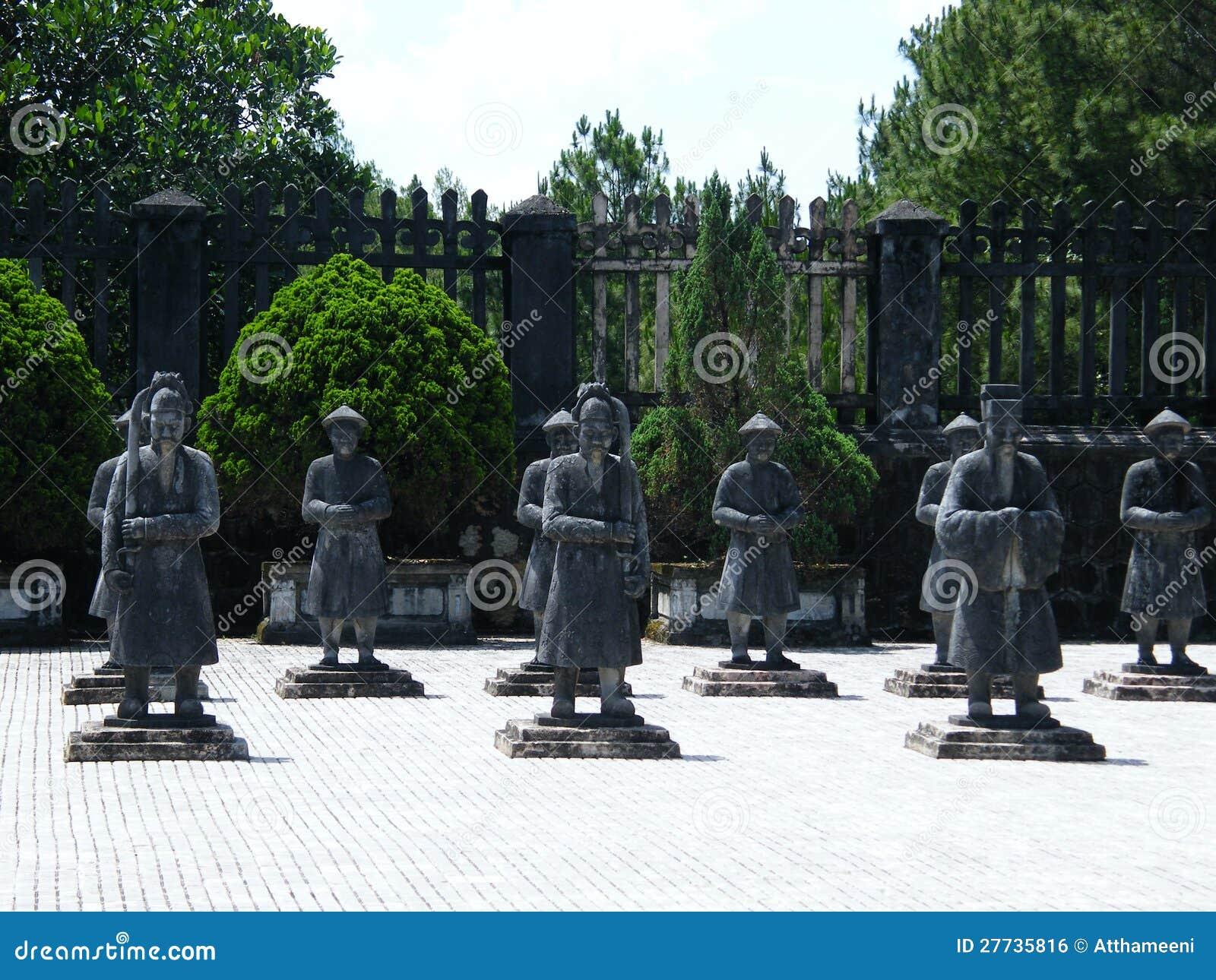 Grab des Kaisers Khai Dinh, Farbe, Vietnam