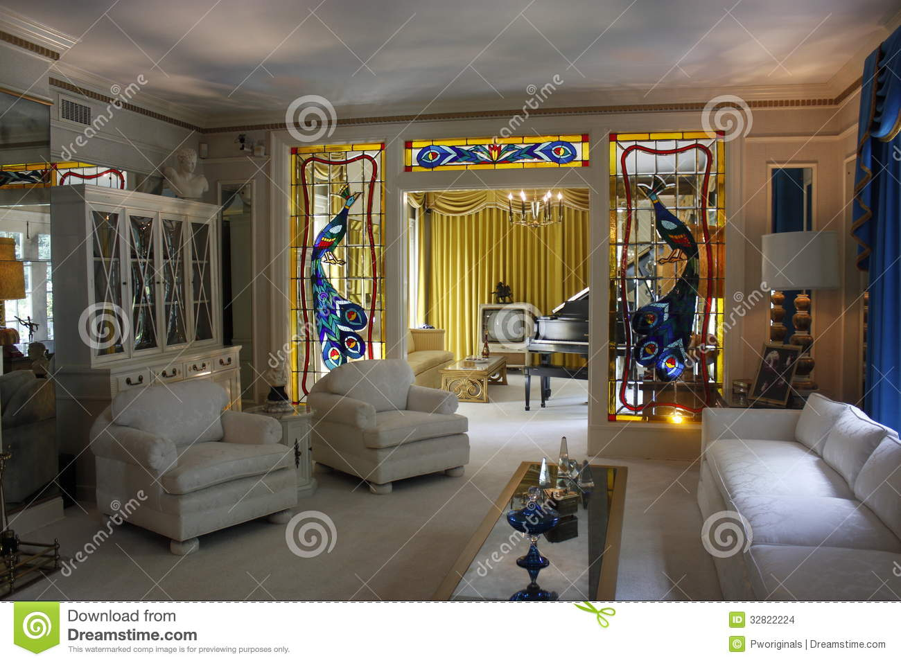 Graceland Mansion Editorial Stock Image Image Of Piano 32822224