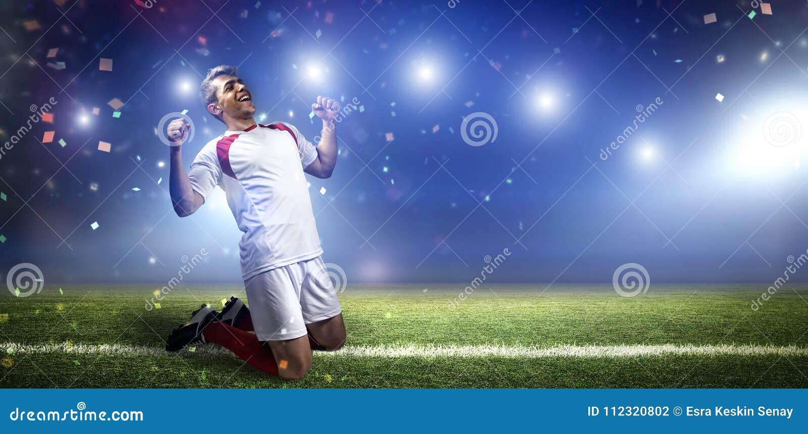Gracza futbolu ` s celu świętowanie