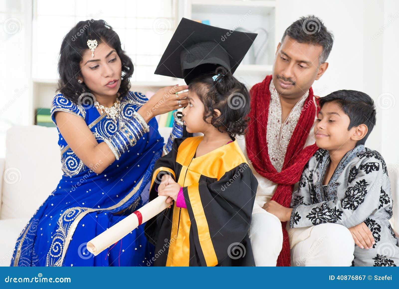 Graduação do jardim de infância com família