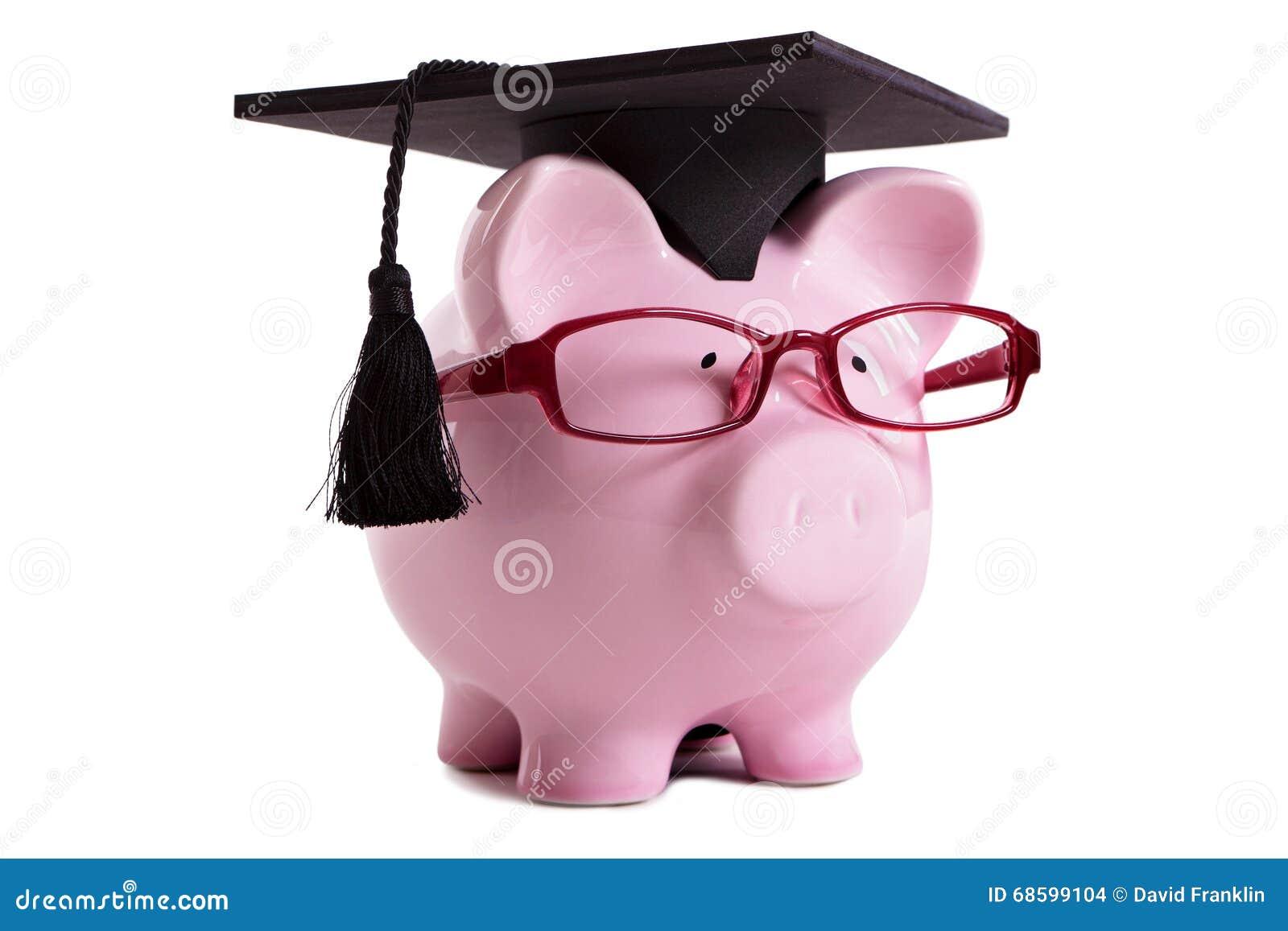 Graduado de faculdade Piggybank do estudante isolado no fundo branco