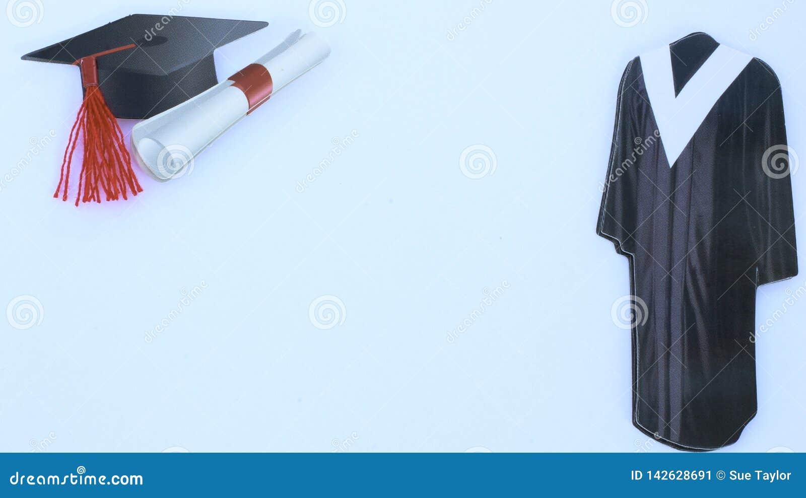 Graduatie GLB en toga op witte achtergrond