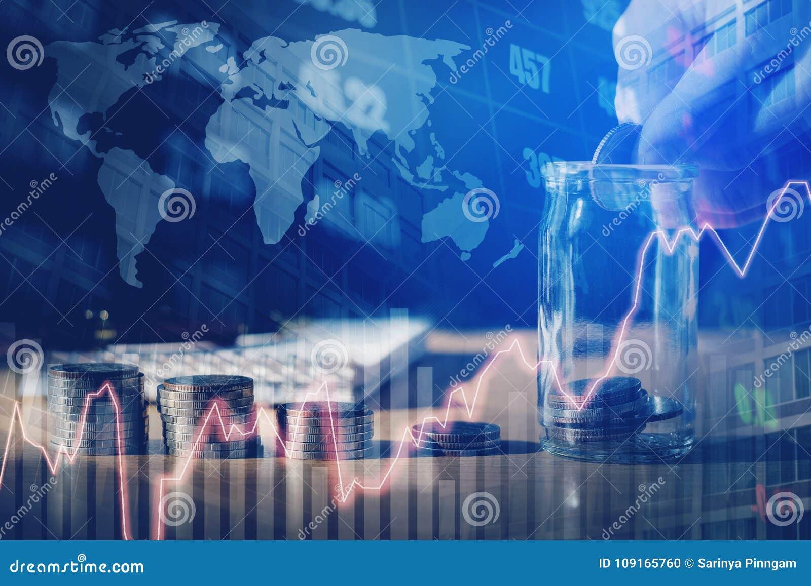 Graf på rader av mynt för finans- och sparandepengar på digitalt s