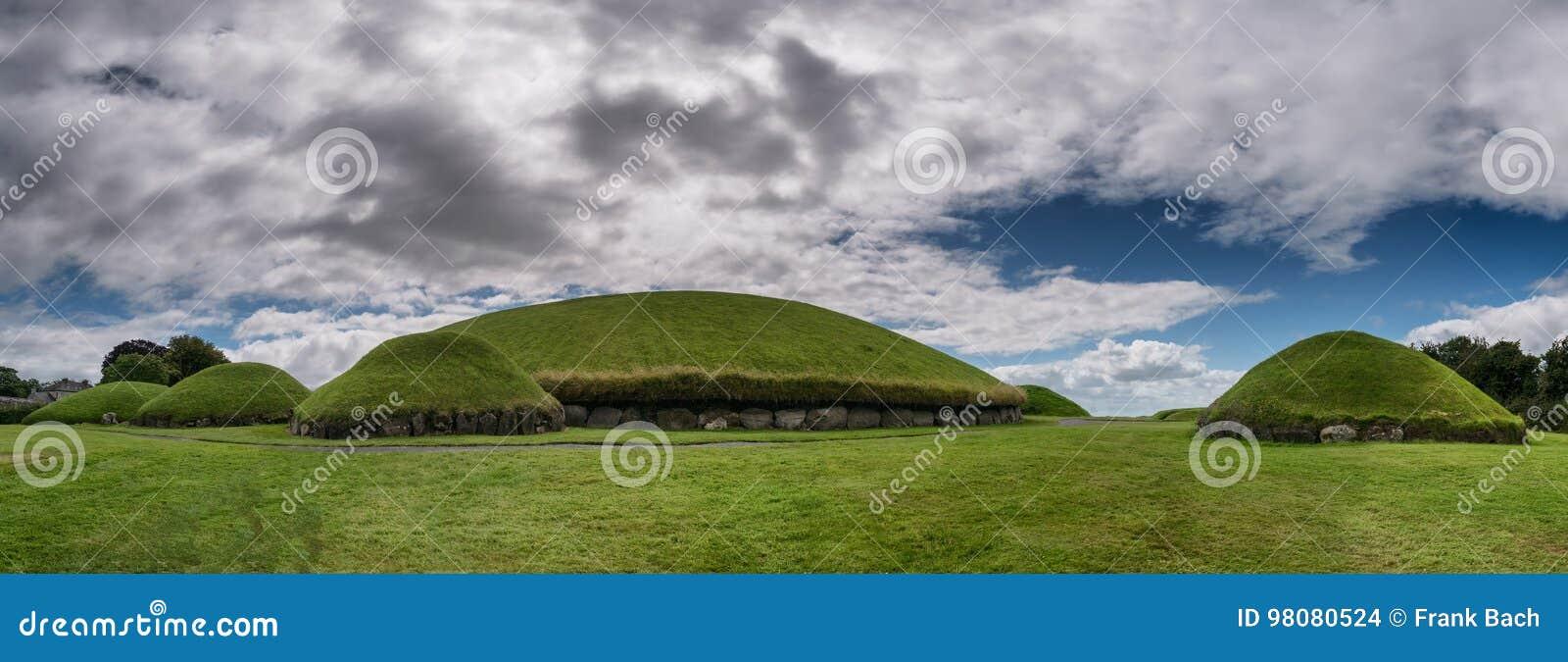 Graf van de Knowth het Neolithische Passage, Hoofdhoop in Ierland