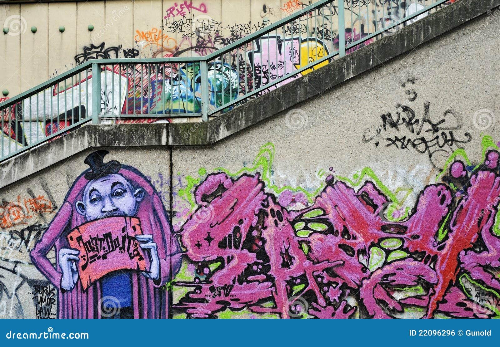 graffiti redaktionelles foto bild von lack spr her 22096296. Black Bedroom Furniture Sets. Home Design Ideas