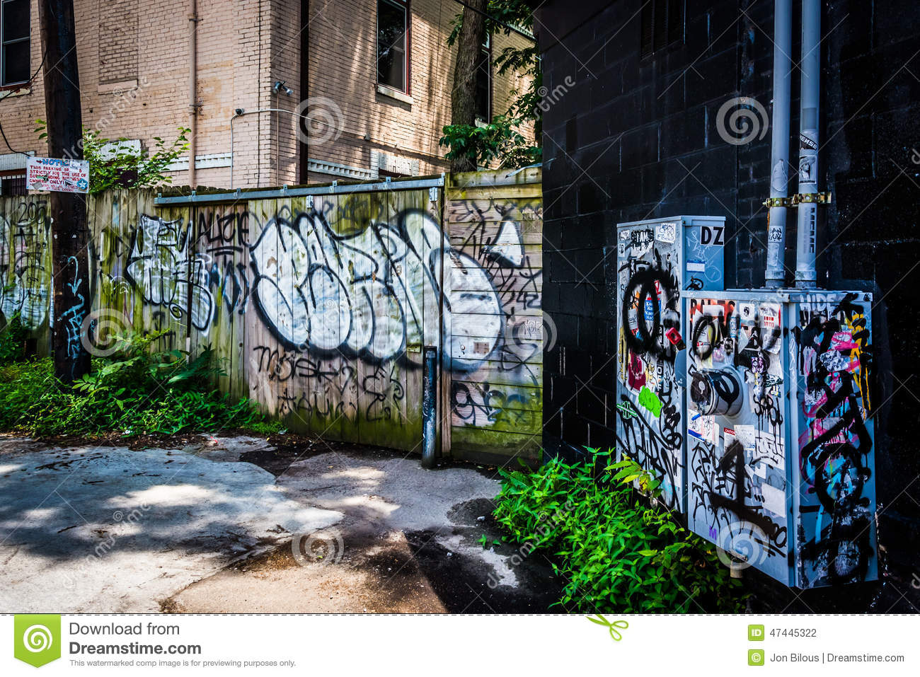 Graffiti wall atlanta - Graffiti In An Alley In Little Five Points Atlanta Georgia Stock Photography