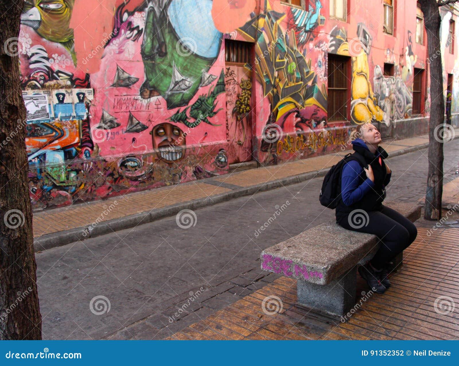 Graffiti Colourful Valparaiso della via nel Cile