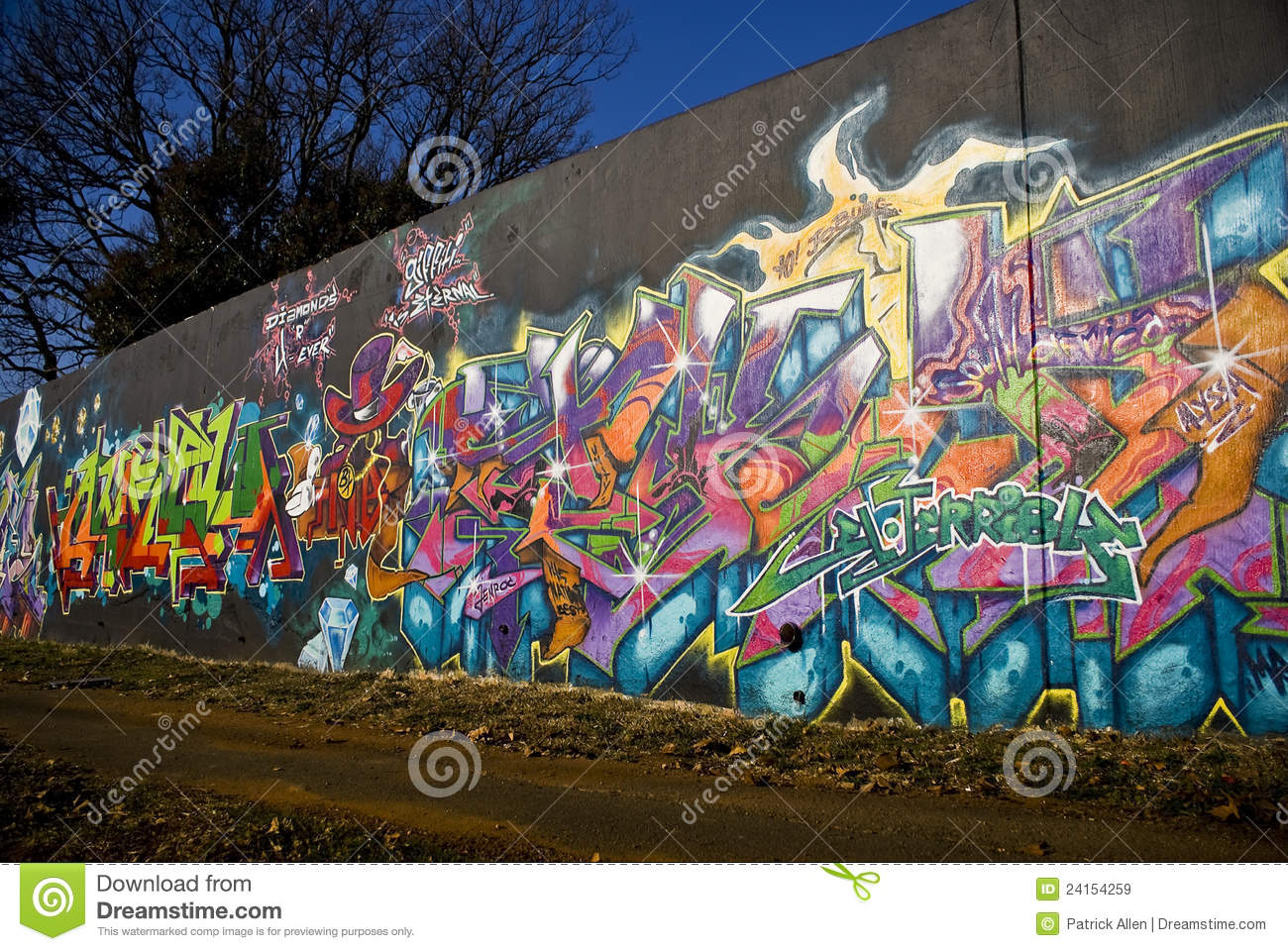 Graffiti wall pictures - Editorial Stock Photo