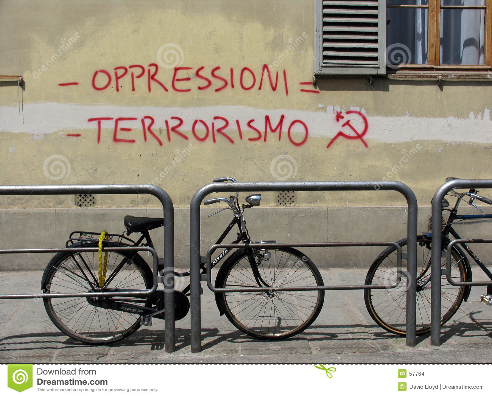 Download Graffiti italien photo stock. Image du marteau, socialisme - 57764